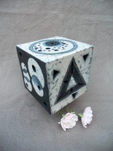 cube raku décoré