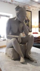 sculpture d'une femme modèle