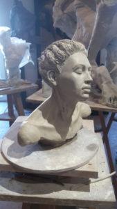 sculpture femme tête et épaules